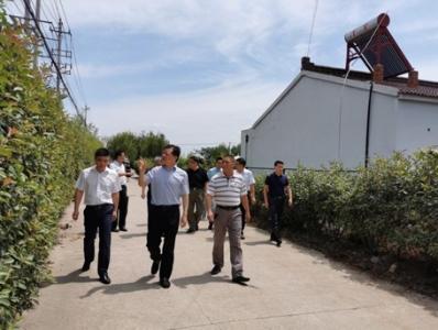 市财政局赴宜兴西墟村开展暑期助学脱贫工作